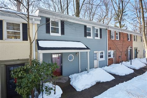2 bedroom townhomes for rent just listed for rent 2 bedroom townhouse in silver