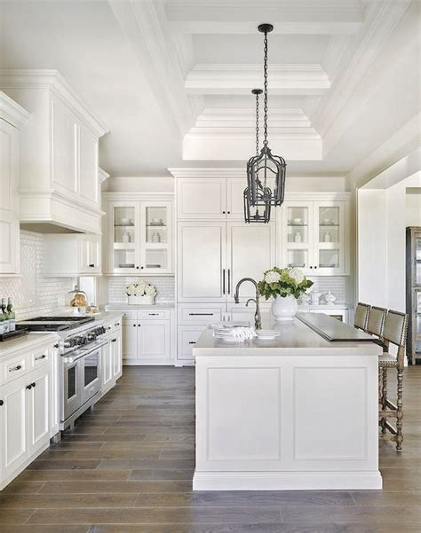 pictures of kitchens with white cabinets and black appliances best 25 luxury kitchens ideas on luxury