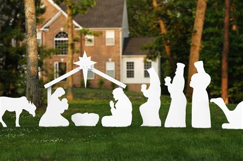 nativity decorations outdoor helpful guide to large outdoor decorations