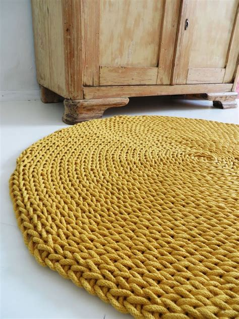 how to knit a rug 25 best ideas about knit rug on crochet