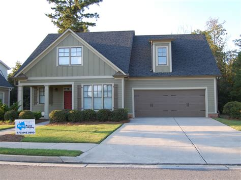 Fresh Homes exterior house painting in fall