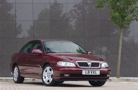 vauxhall omega saloon review 1994 2003 parkers vauxhall omega saloon 1994 2003 photos parkers