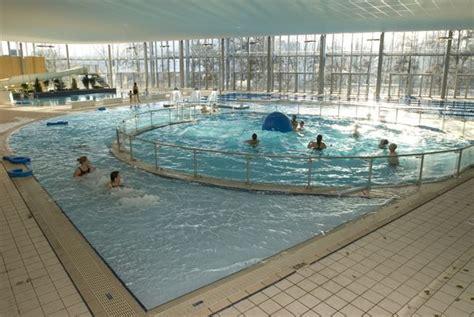 la boule 224 vagues de la piscine du petit port magazine f 233 minin