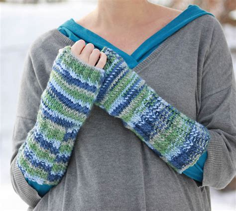 fingerless gloves knitting pattern fingerless gloves knitting pattern michele