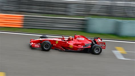 Hd F1 Car Wallpapers 1080p 2048x1536 Monitor by F1 4k Ultra Hd Papel De Parede And Background