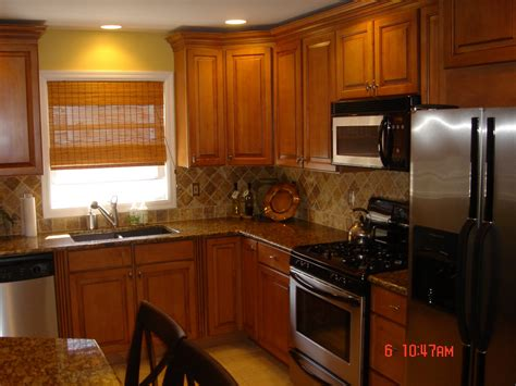 paint colors for kitchens with golden oak cabinets kitchen backsplash oak cabinets best home decoration