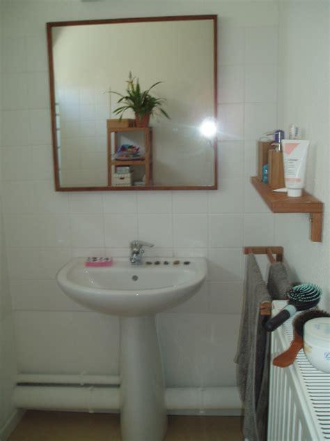 cacher des tuyaux salle de bains