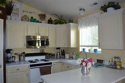 ideas for space above kitchen cabinets ideas on how to decorate on the space above the cabinets interior design decor