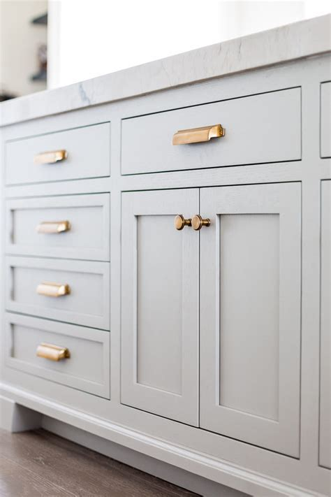 kitchen cabinet knobs and handles top hardware styles to pair with your shaker cabinets