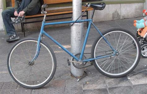 spray painting a bike bike spray painting