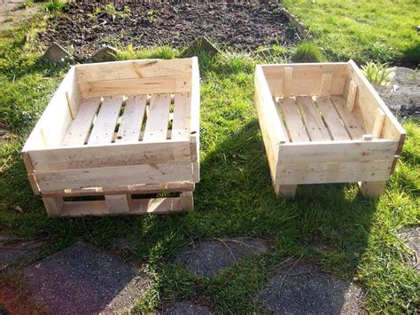 pallet planter boxes recycled pallet planter boxes