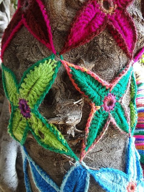 guerilla knitting patterns 50 best images about trees and rocks yarn bombed on
