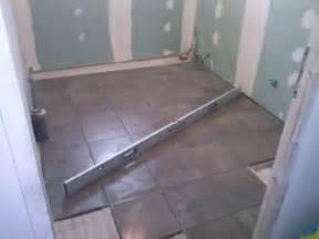 installation du wc sani broyeur et mise en route et pose du carrelage sdb le de fred