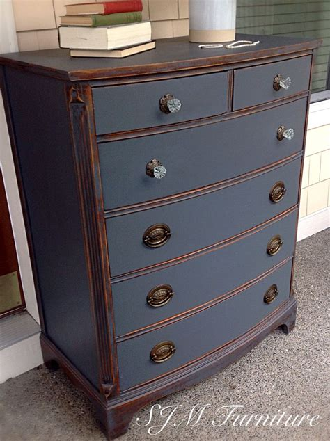chalk paint grey ideas 25 best ideas about chalk painted dressers on