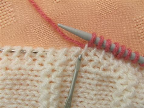 how to increase and decrease in knitting how to increase and decrease evenly across a row the