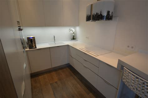 house concept solide surfaces
