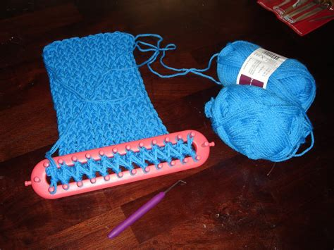 how to use loom knitting knitting loom knitting gallery