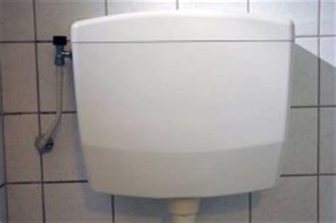 Stortbak Wc Loopt Langzaam Leeg by Spoelbak Wc Vervangen Stortbak Toilet Vervangen With