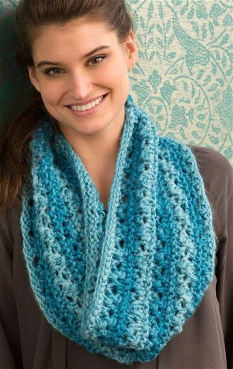 easy lace cowl knitting pattern one skein knitting patterns nancy dell olio knits