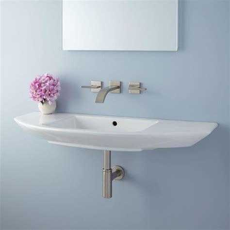 narrow bathroom sinks and vanities 25 best ideas about small bathroom sinks on
