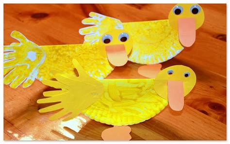 paper plate duck craft paper plate duck the story about ping