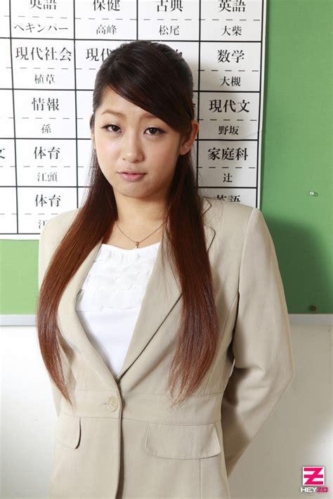 Satomi Suzuki by Satomi Suzuki