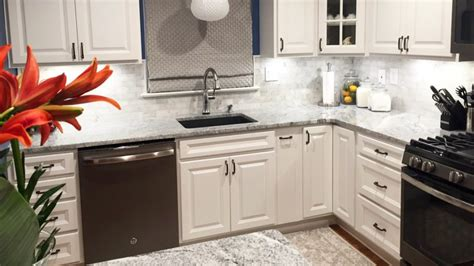 how much does it cost to paint kitchen cabinets angies list