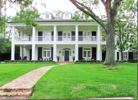 plantation style homes plantation style