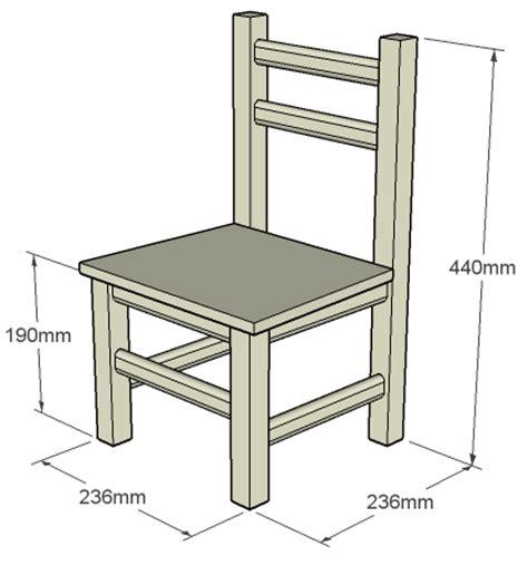 chaise pour enfant travail du bois
