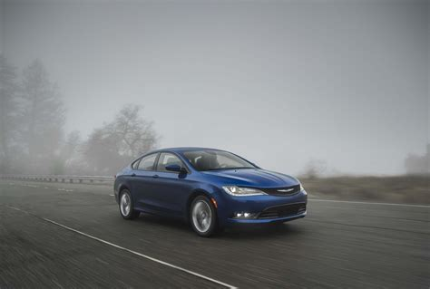 Chrysler 200 Price Range by 2015 Chrysler 200s Front Three Quarters In Motion 03 Photo 81