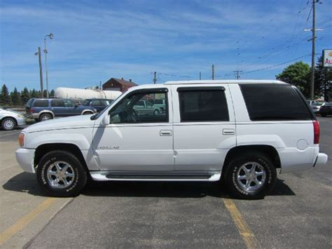 2000 Cadillac Escalade For Sale by Document Moved