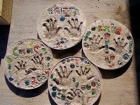 stepping craft for 20 cool diy concrete project ideas hative