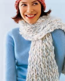 learn how to knit a scarf knitted scarves step by step diy craft how to s and