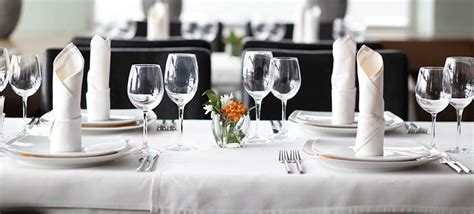 Dining Table Etiquettes Dining Etiquette Tips For Event Professionals Smart Meetings