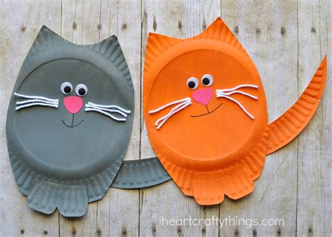 how to make craft with paper plates paper plate cat craft i crafty things