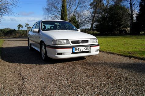 view of vauxhall omega 2 5 photos features and view of vauxhall cavalier 2 5 v6 photos features