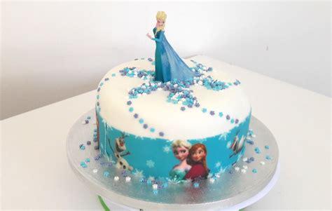 faire gateau reine des neiges ruban pate a sucre univers cake