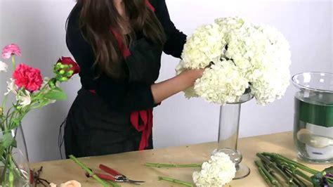 make centerpieces how to make a hydrangea centerpiece