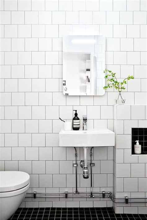 White Tile Bathroom by Best 25 White Tile Bathrooms Ideas On Tiled