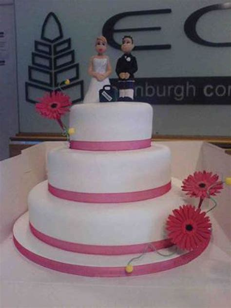 simple wedding cakes decorating in style