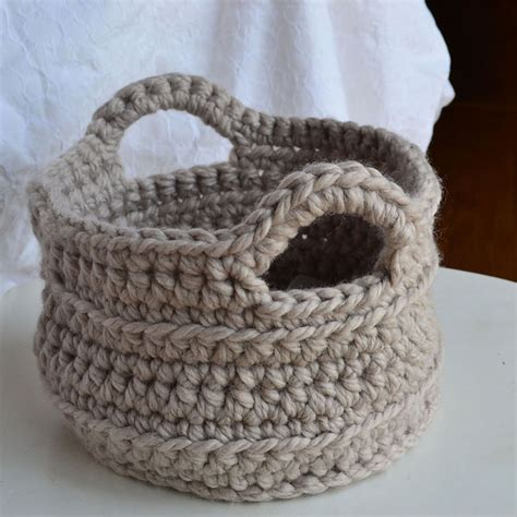 crochet craft projects 20 easy and beautiful things to crochet it s