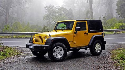 Yellow Car Wallpaper Hd by Wallpaper Jeep Wrangler Yellow Car 2880x1800 Hd Picture Image