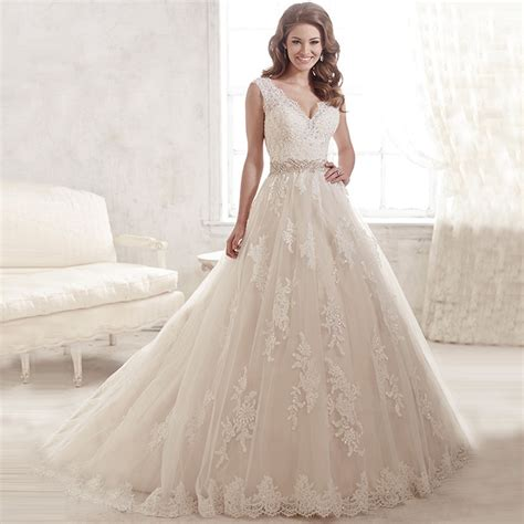 white beaded wedding dress 2016 lace appilques new fashion white beaded lace