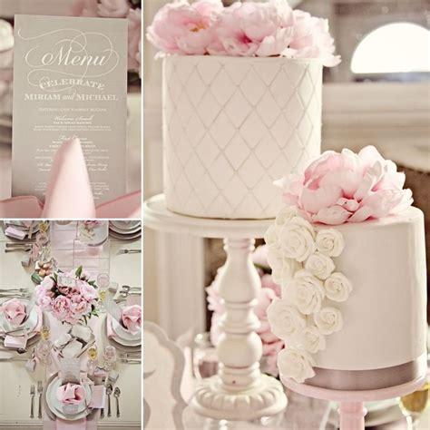 Fresh Flowers For Wedding Cake Decoration