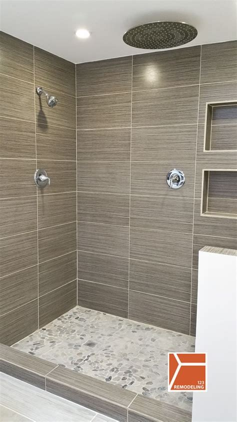 Shower Ideas For Bathroom by 25 Best Ideas About Vertical Shower Tile On