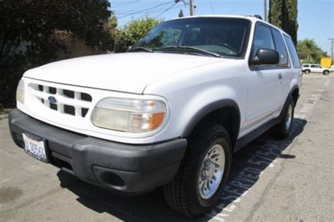 hayes auto repair manual 2001 ford explorer sport trac spare parts catalogs service manual electric and cars manual 2000 ford explorer sport trac interior lighting
