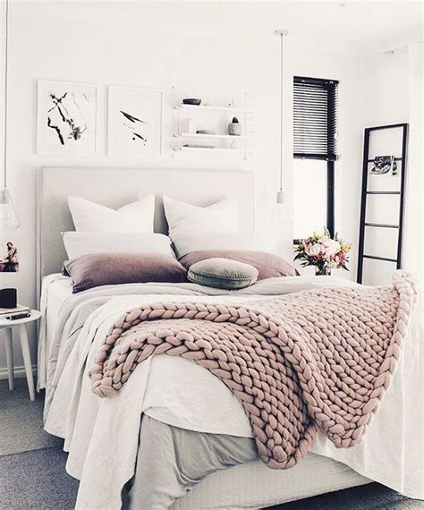 comfy bedroom best 25 comfy bed ideas on