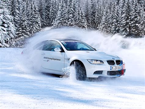 Car Wallpaper Snow by White Bmw In Snow Wallpapers Hd Desktop And Mobile