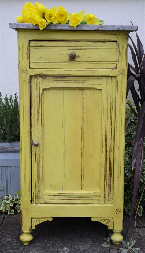 chalk paint yellow tree yellow by sloan dovetails vintage