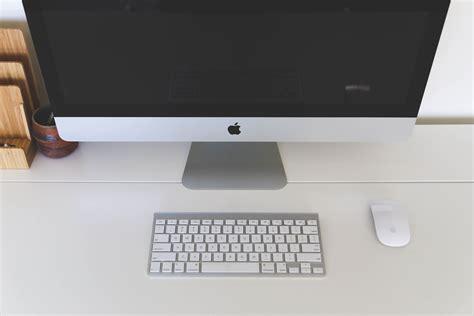 computer desk imac free stock photo of apple computer desk